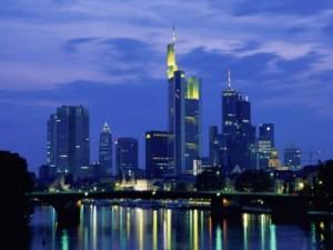 VIAJE A FRANKFURT: Centro económico de Alemania