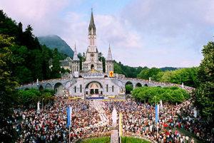 VISITA A LOURDES: En la ciudad sagrada